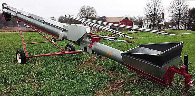 New 2013 Hutchinson Auger w/Hopper
